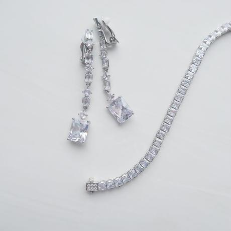 Blois Earring