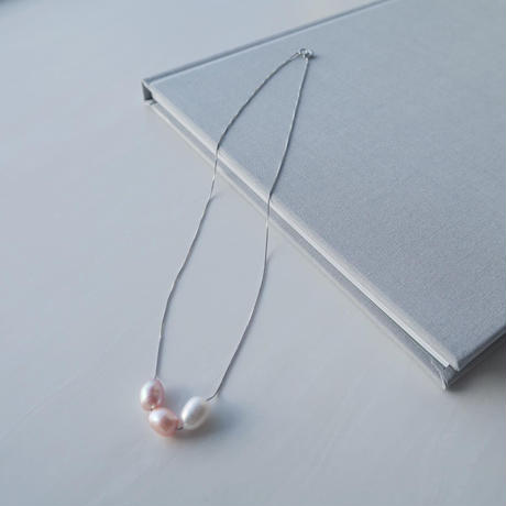 Pearl Thorough Necklace