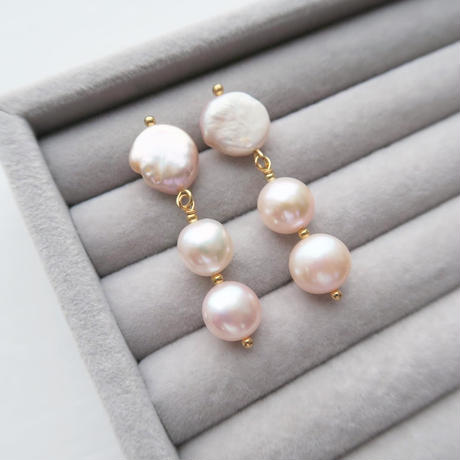 Baroque Pearl Trois ピアス / Pale pink