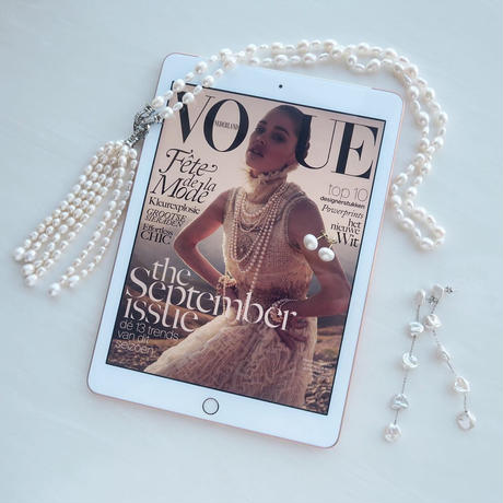 Tassel Pearl Necklace / White