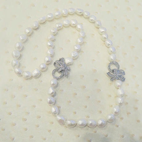 Baroque Pearl Bow Necklace