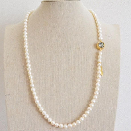 Carre (fresh water Pearl long necklace)