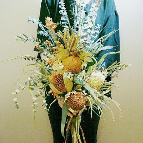 『見映えがするナチュラルで大きな花束natural orange007』美容室などの開店祝いや会場のディスプレイ 装花などに