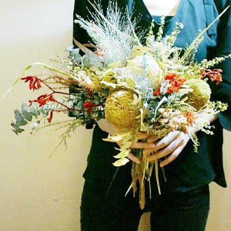 おしゃれでモダンな花束  プレゼントや和装の結婚式ブーケにも
