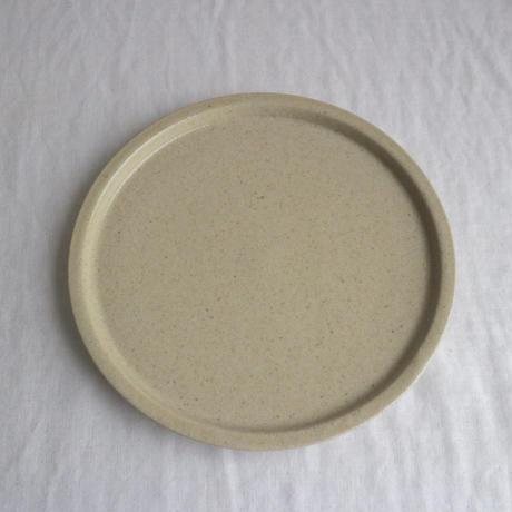 リム皿細6寸ベージュ / こいずみみゆき