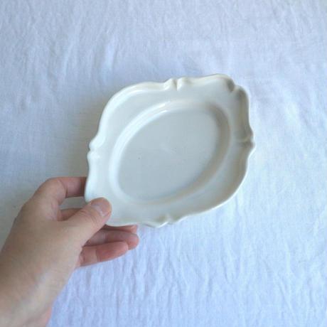 白艶釉オーバルレリーフ皿S  /  河合竜彦