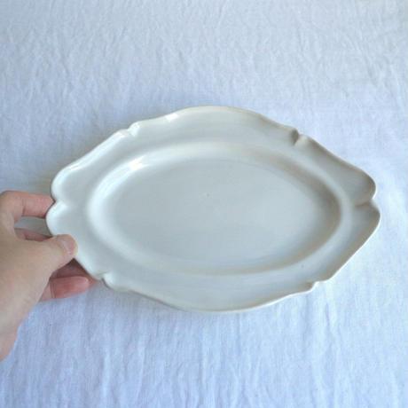 白艶釉オーバルレリーフ皿M  /  河合竜彦