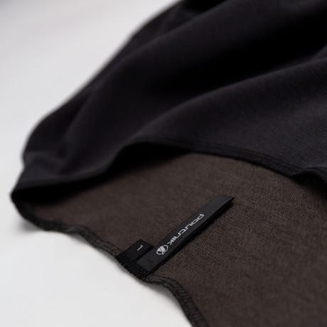 【Tilak+POUTNIK】RelaxTee S/S  - Black