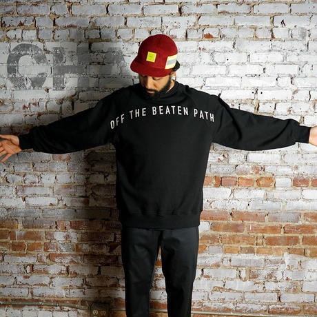 "CHARI&CO ""OFF THE BEATEN PATH CREWNECK SWEATS"" ブラック"