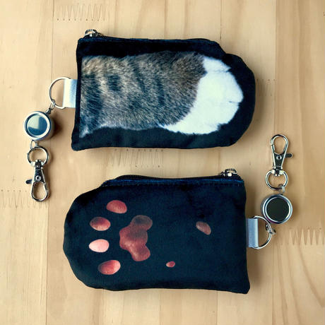 CAT PAW PASS HOLDER _fluffy_black_Shima