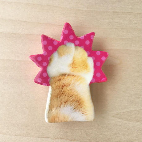 CAT PUNCH BROOCH