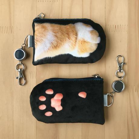 CAT PAW PASS HOLDER _fluffy_black_Orange & White