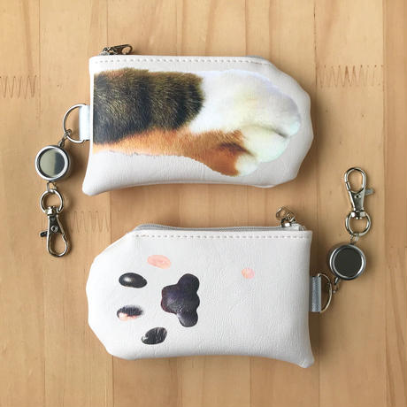 CAT PAW PASS HOLDER _leatherette_Tabby Tricolore