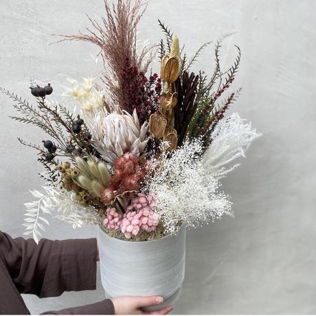 dry flower arrangement  L