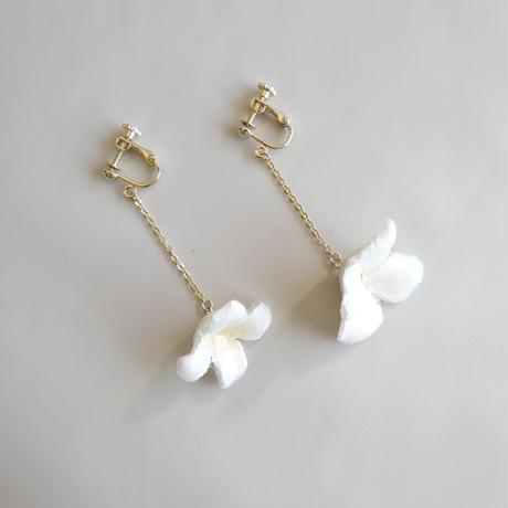 """【ivory series】Flower Earrings(Pierces) """"Beech nut"""""""