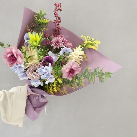 Seasonal gift bouquet M  (March)