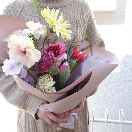 Seasonal gift bouquet S (February)