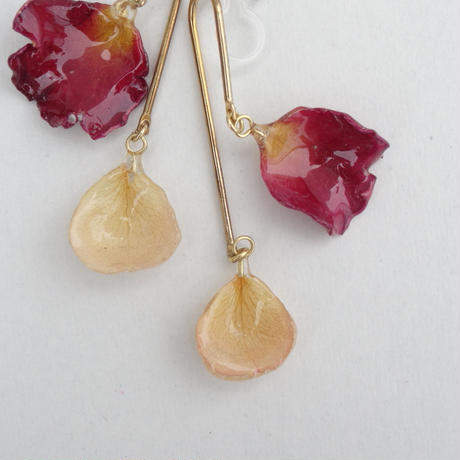 "【Summer museum】mobile flower earrings""rose×rose"""