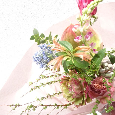 Seasonal gift bouquet S (April)