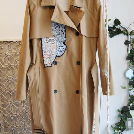 ma.macaron×GUSUCUMA trench coat -big face-