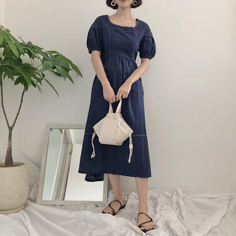 《予約販売》back button stitch one-piece