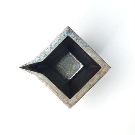 5af9a4c6ef843f52680015e8