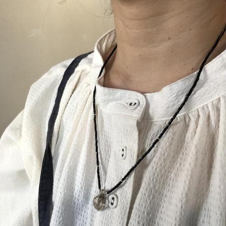 エレスチャンクリスタルのネックレス