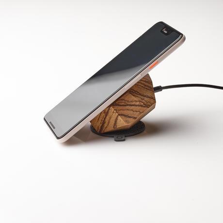 無垢材のワイヤレス充電器(ゼブラ)