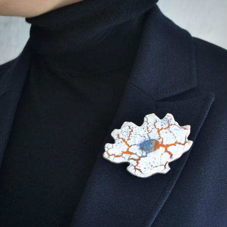 Brooch 'Flower of mission.' white.