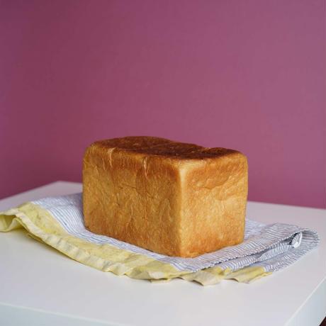 炭火とワイン 豆乳食パン1.5斤サイズ 10/20(水)受取分 予約購入は50円引きクーポン付き 毎朝焼きたて