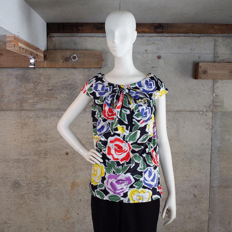 """""""Yves Saint Laurent"""" Designed Sleeveless Blouse"""