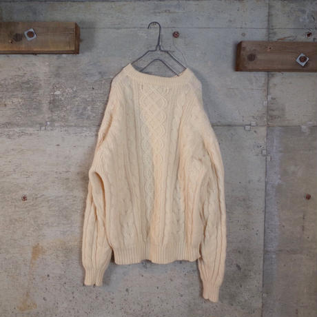 Aran Cable Stitch Wool Knit