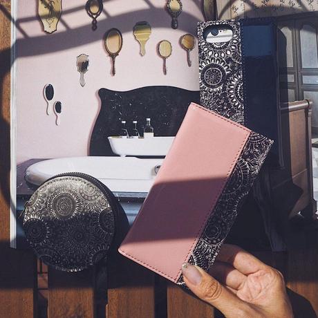 エナメル手帳型スマホケース flower lace