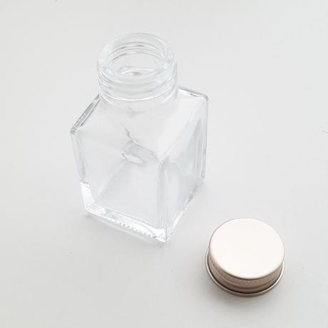 【ガラスの小瓶付きミニブーケ:カーネーション】
