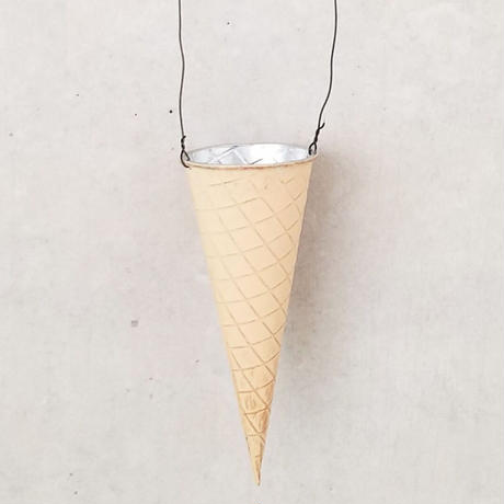 【アイスコーン型ブリキポット】