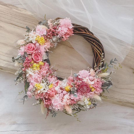 gift wreath ( half type φ20〜24cm)