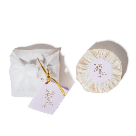椿油&蜂蜜&京都の名水仕込み 洗いながら保湿する【洗顔石鹸】60g
