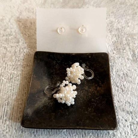 tsubu  white  pierce