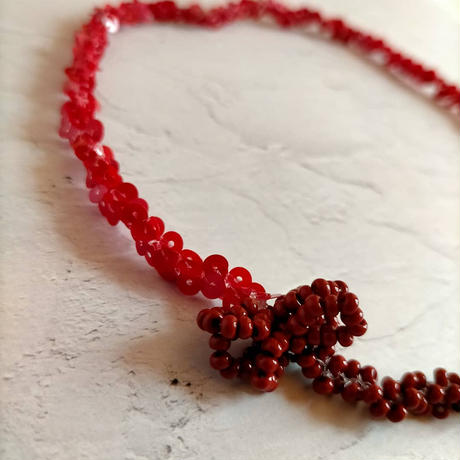 red short necklace