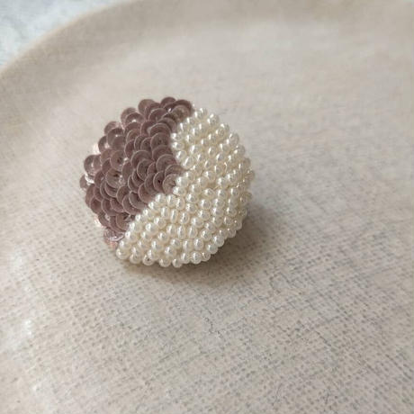 tsubasa  pink  brooch