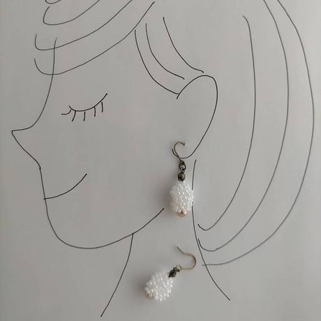 すずらんの耳飾り