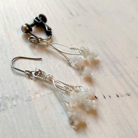 雨粒の耳飾り[white]