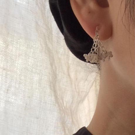 White pepper 束な耳飾り