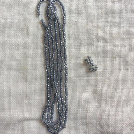 星の粒necklace 【クリア中染ライトグレー、受注生産品】