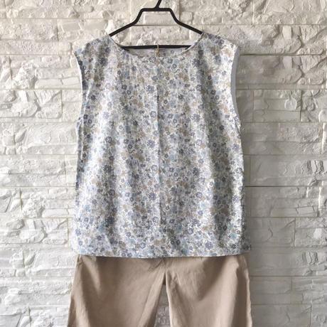 人用服・フレンチトップ・裾スリット・花柄(Mサイズ