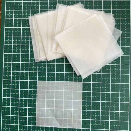 つまみ細工 練習用 正絹羽二重四匁 カット布(糊付け済み)セット