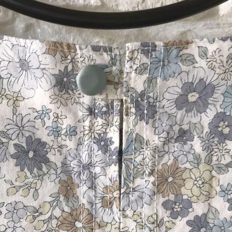 人用服・フリル袖ブラウス・花柄(Mサイズ)