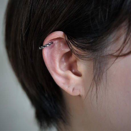 【予約】press earcuff  medium SV  片耳【HRA054SV】