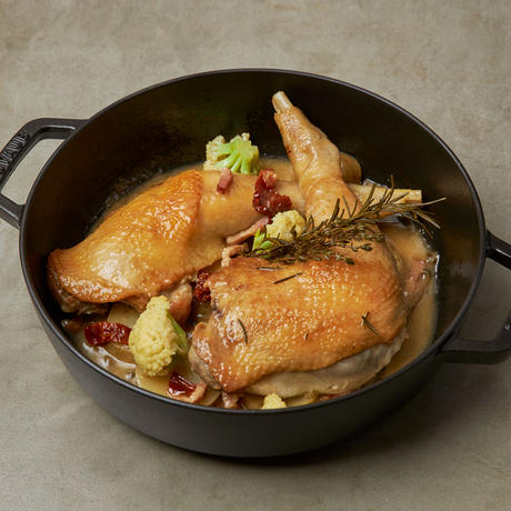 極上ワンパンキャンプ飯ミールキット 『骨つき鶏もも肉の白ワイン煮』 2名用