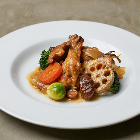 【予約販売】12/18 18:00  極上ワンパンキャンプ飯『鶏手羽元と季節野菜のトマト煮と牛バラ肉の赤ワイン煮 』